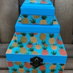 Pineapple box stack