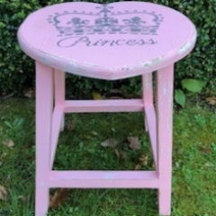 Princess Stool