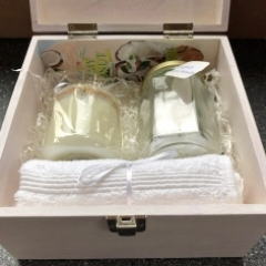 Large Pamper Box (with charm candle)